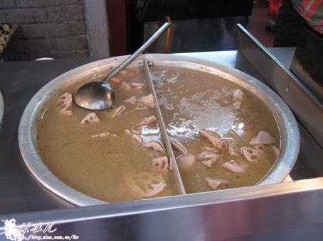 来到湖北必吃的大骨炖藕汤
