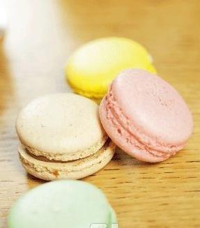 法国著名甜点马卡龙图片;