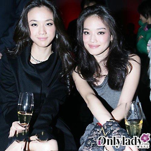 刘璇和蔡依林的合影,再次证明选对合适的发型做修饰是多么的重要.
