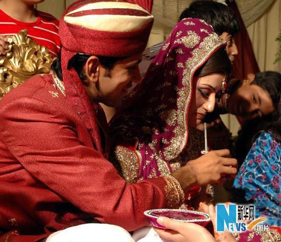 巴基斯坦男子娶小需得到第一任妻子同意。
