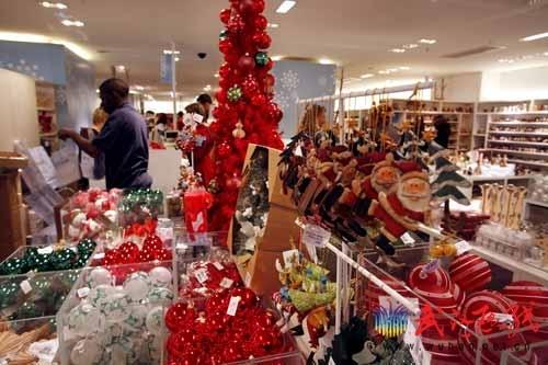 圣诞狂欢季来啦 武汉商场打折购物绝对不吃亏