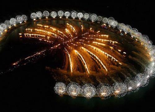 朱美拉棕榈岛和阿里山棕榈岛从高处看好像是两棵巨大的棕榈树