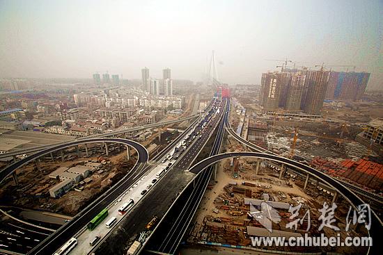 武汉二七长江大桥通车 过江只需5分钟(组图)