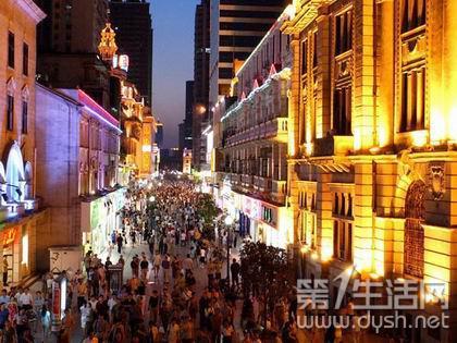 江汉路:老牌逛街购物场所