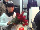 小天使送玫瑰