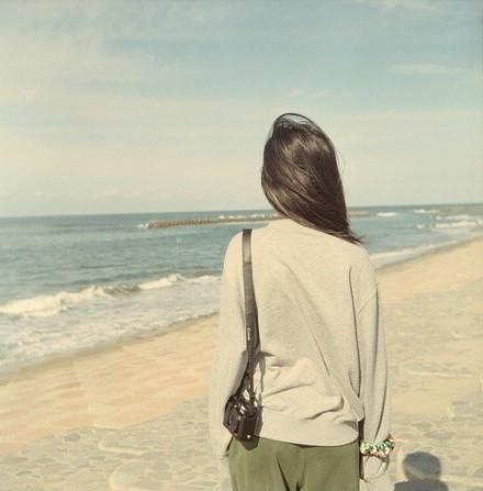 背包旅行唯美女