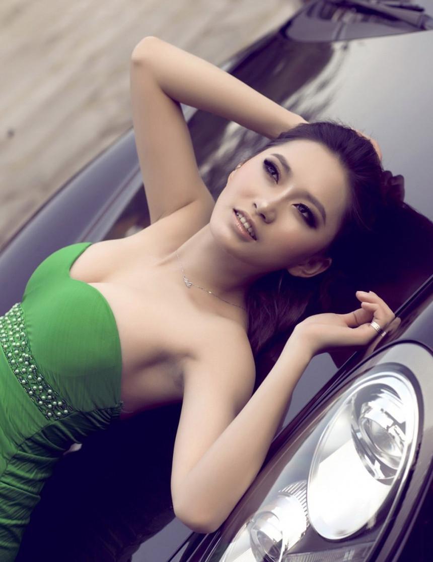 美艳丽人与炫酷豪车