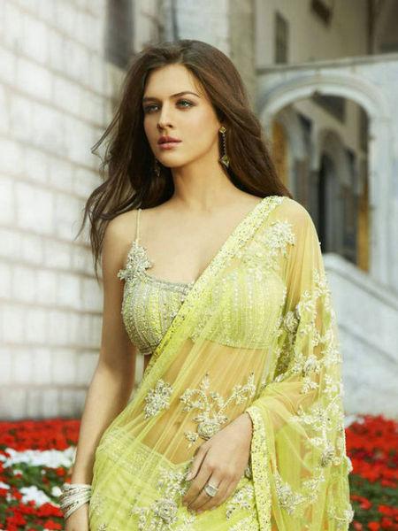 印度美女为何愿露肚脐却从不坦露大腿