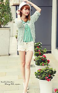 清爽女孩 薄荷绿衬衫和钩花外套