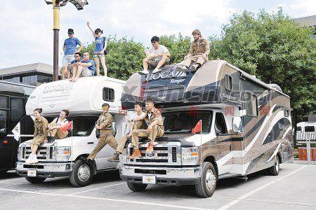 今天一早,这些年轻人将从西安出发直奔广西。记者 翟小雪 摄