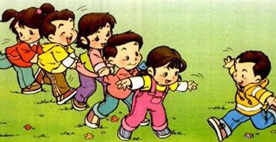 跳房子 跳房子 ★小编回忆:这个小女孩玩的多,这个玩法很多种的,看