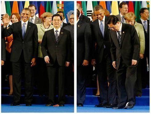 6月18日,G20峰会在墨西哥洛斯卡沃斯开幕。在领导人合影中,主办方用国旗来标示各国领导人的位置。合影完毕,领导人散去,脚下国旗被踩来踩去。而中国国家主席胡锦涛弯腰把这面国旗贴纸捡起,细心地收了起来。这一幕在网上引发热议。