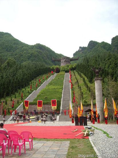 新浪旅游配图:神农坛 摄影:远去的尼雅