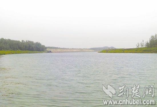 荆州虎渡河畔