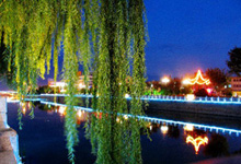 河边公园夜景
