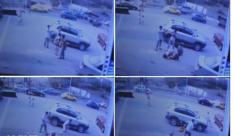 监控实录:重庆持枪抢劫案嫌犯开枪过程