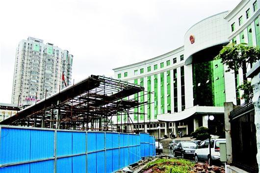 武昌区政府内的地铁入口