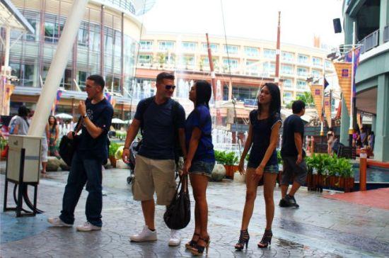 揭秘泰国租妻文化:价格公道 还带发票
