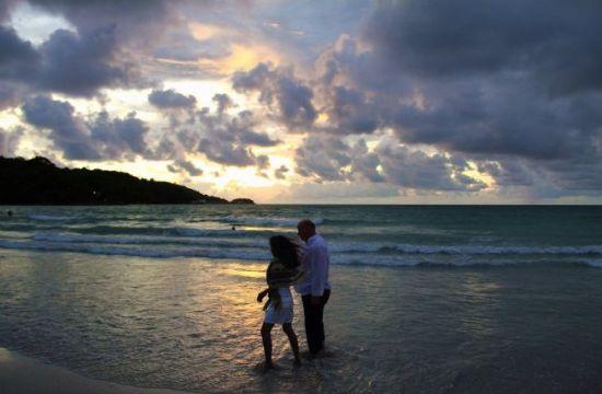 """老外喜欢到泰国""""租妻""""的原因"""