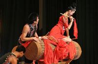 舞蹈《反排木鼓舞》(苗族)
