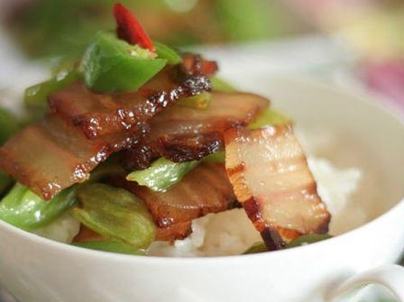 �广椒炒腊肉