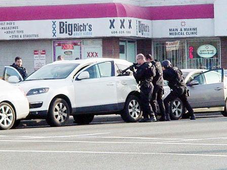 豪车也成了劫匪们的目标