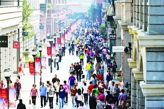 今年黄金周,楚河汉街等江城新景点人流如织