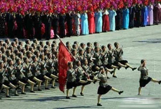 揭秘朝鲜美女军装照 居然如此性感(组图)