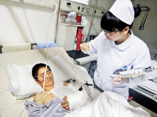 罗田钟点工救邻居惨遭轿车碾压 义举感动大上海