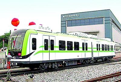 中国南车株机公司今年8月下线了世界第一列超级电容轻轨列车