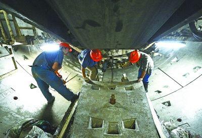图文:武汉地铁三号线月底下穿二号线