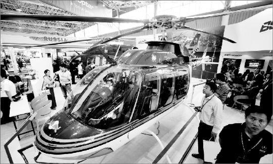 BELL商用直升机。本组图片 本报记者 王筝 摄