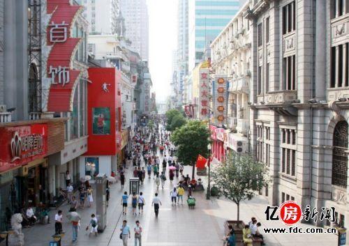 了解武汉第一站:江汉路站