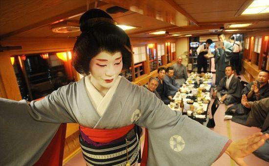 日本唯一男艺妓