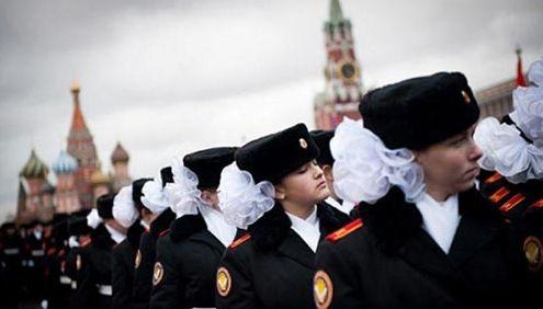 探秘纸醉金迷的俄罗斯女子军校