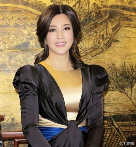 刘晓庆 图片来源:刘晓庆微博