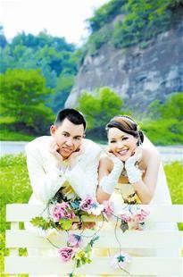 恩施最美新娘推迟婚礼怀孕计划来汉捐髓救人