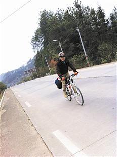 武汉骑车回海南10天走了千公里