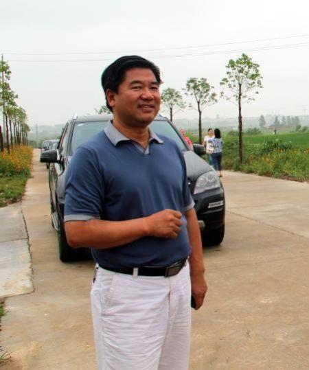 张德华在工作中。2012年资料图 吴奇勇 摄