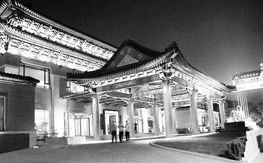图为:北京一处金碧辉煌的顶级会所