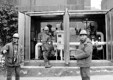 1月28日,十堰北京路、江苏路、柳林路沿线5万多居民用上了天然气。我省天然气资源严重匮乏。东方IC图