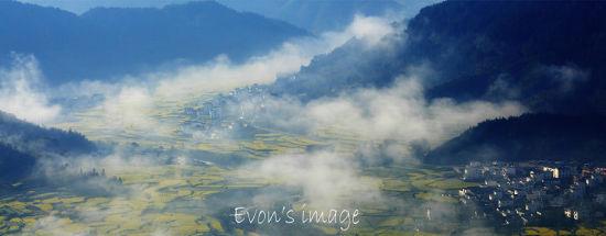 江岭三号观景台下方风景:梯田油菜花(图片由驴友EVOW提供)