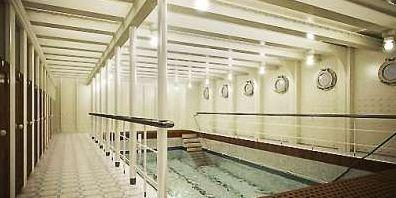 游泳池对比