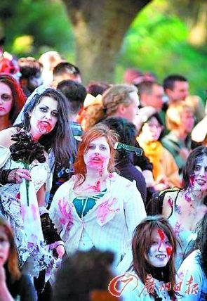 """""""僵尸""""游行总是吸引很多年轻人参与。"""