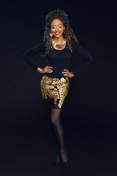 微潮人时尚秀第三十三期:简约时尚的黑色v时尚遮雨布图片