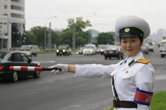 三八节盘点全球各地美女警花 揭秘朝鲜女警选拔