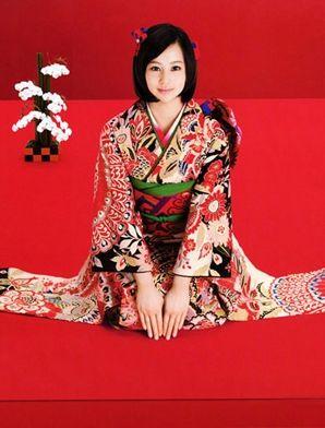 """日本女人华丽和服背后的尴尬""""秘密"""""""
