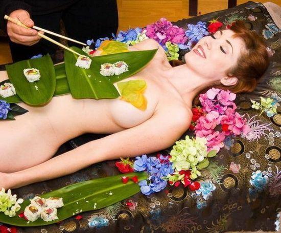 图解日本女体盛 看变态的重口味文化