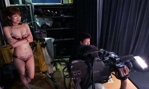 日本女主播裸体播报手语新闻政府补助