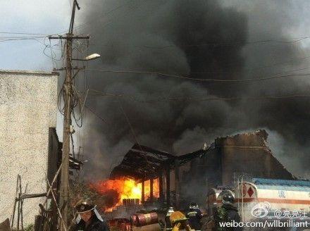 武汉东西湖区一化工厂发生爆炸 暂无人员伤亡